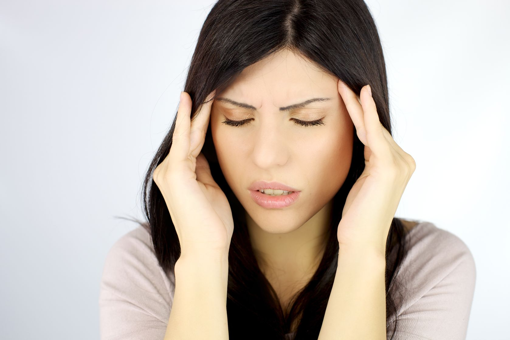 acupuncture reduces frequency and severity of migraines